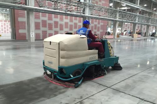Strojový úklid